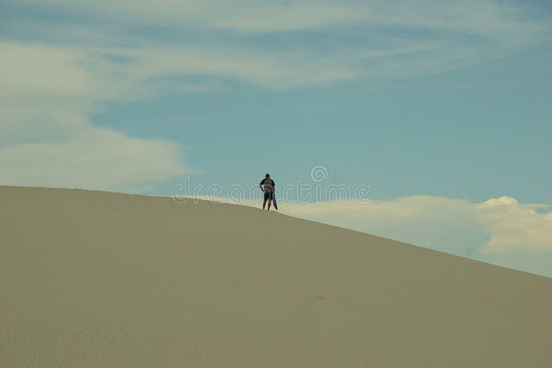 沙丘的人 免版税库存图片