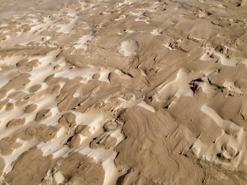 沙丘的表面上的复杂被风吹沙子样式 免版税图库摄影