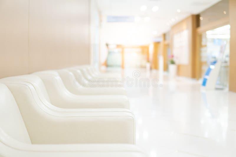 沙发在豪华医院等候室  库存照片