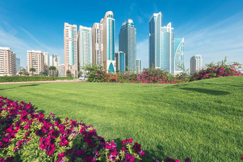 沙扎都市风景 阿拉伯酋长管辖区团结了 免版税库存照片