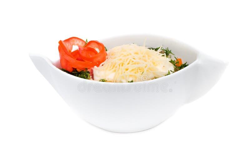 沙拉用在白色隔绝的乳酪 免版税库存照片