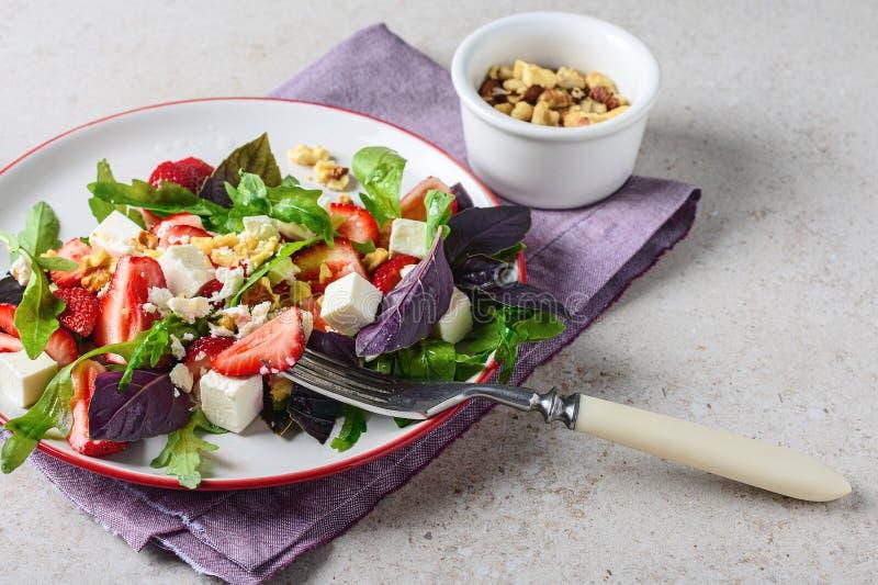 沙拉用草莓 图库摄影