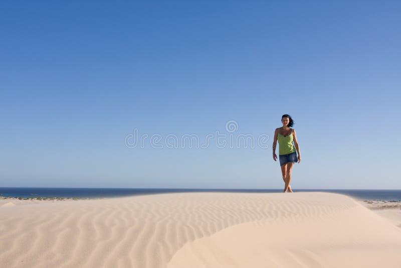 沙漠女孩 库存照片