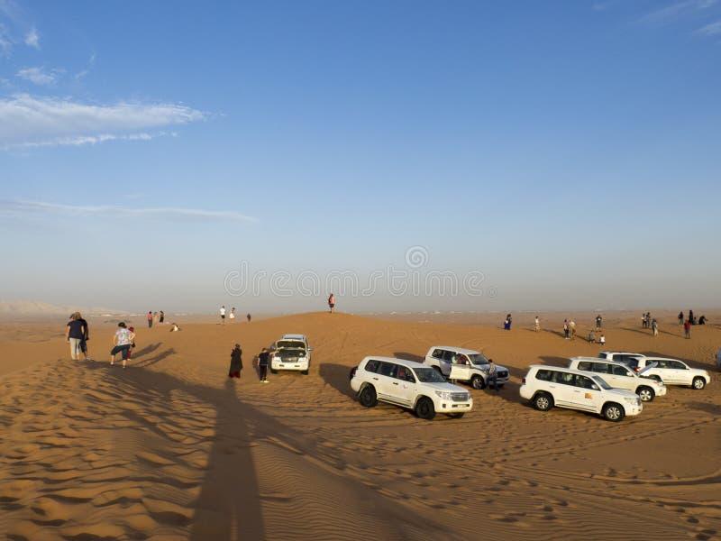 沙漠徒步旅行队,迪拜 图库摄影