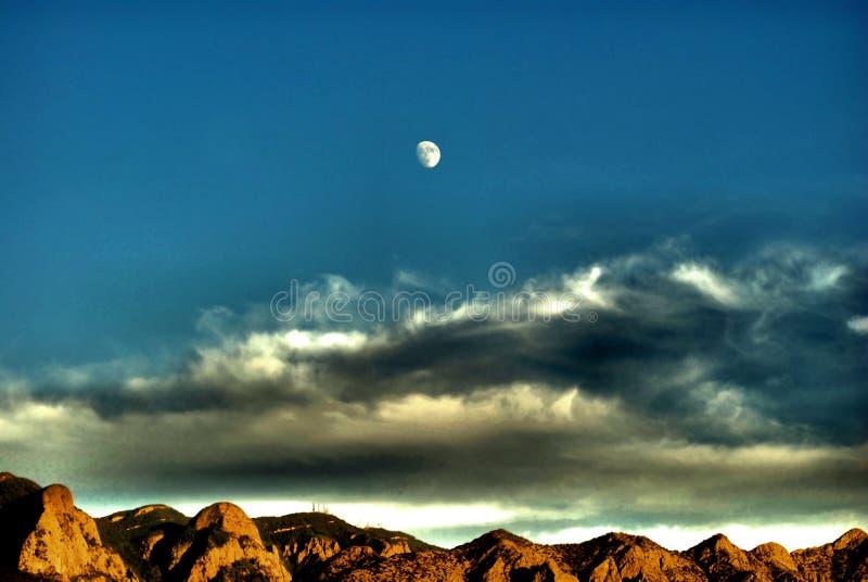 沙漠月亮 库存图片