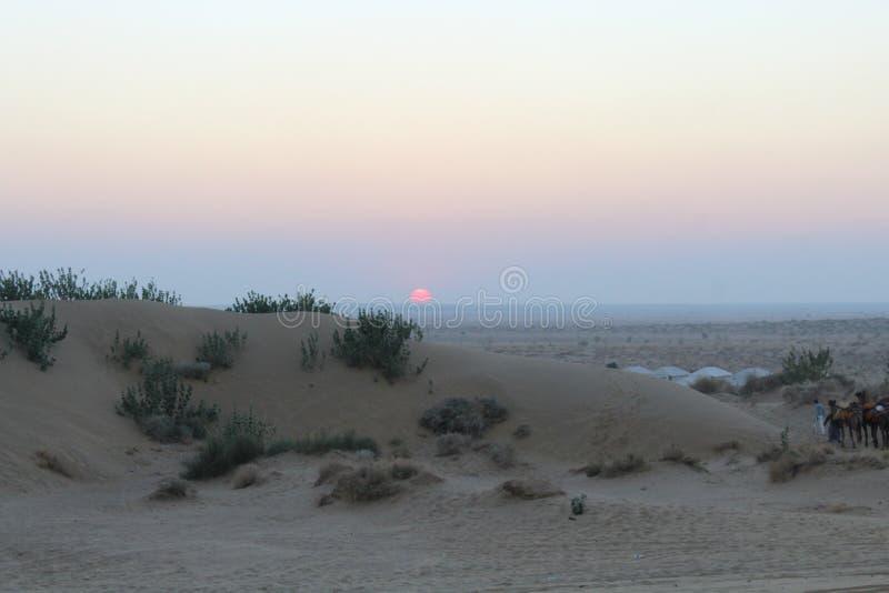 沙漠沙子日落太阳 免版税库存图片