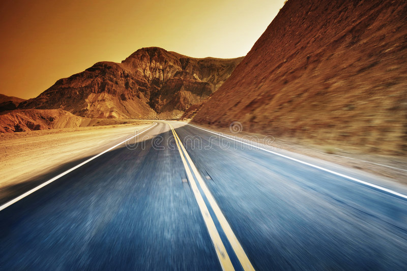 沙漠高速公路 免版税图库摄影