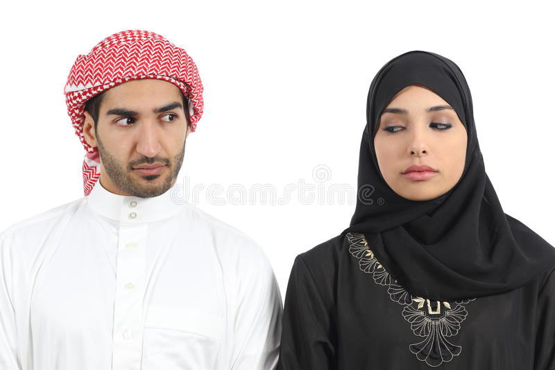 沙特阿拉伯夫妇恼怒与问题 免版税库存照片