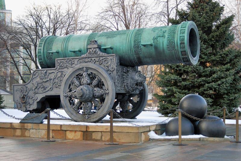 沙皇Pushka (Cannon国王)在克里姆林宫 彩色照片 库存照片