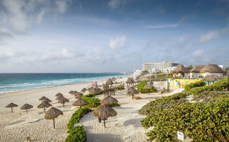 沙滩在坎昆,墨西哥 免版税库存照片