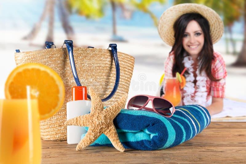 沙滩的女孩 免版税库存照片