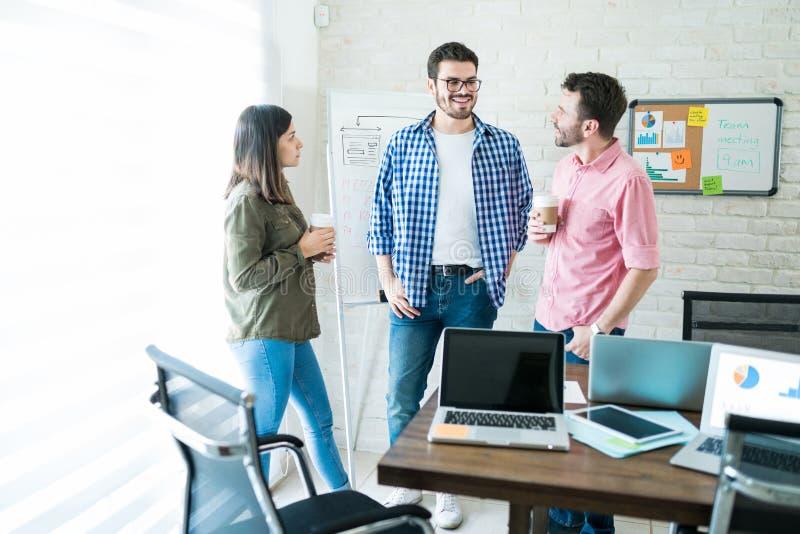 沟通在会议的企业队 免版税库存图片