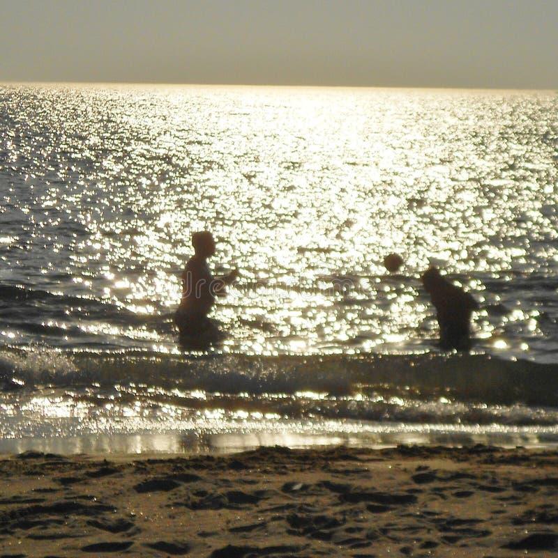 没什么更好比在海滩的一天 图库摄影