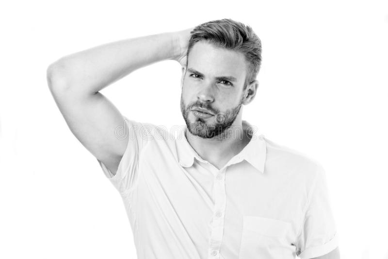 没有头屑的生活 健康的头发 可爱的人享受发型 人有胡子的严密的面孔享受生气勃勃白色 免版税库存图片
