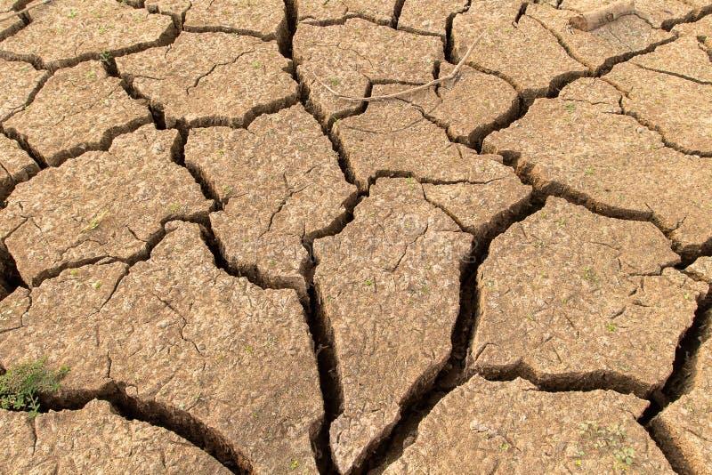 没有水的破裂的干陆 抽象背景 免版税库存图片