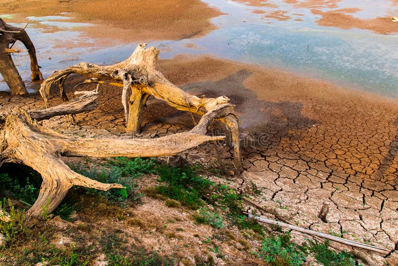 没有水的破裂的干陆 抽象背景 图库摄影