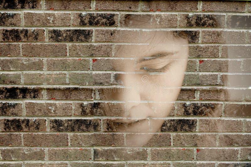 沮丧的哀伤的妇女年轻人 免版税库存图片
