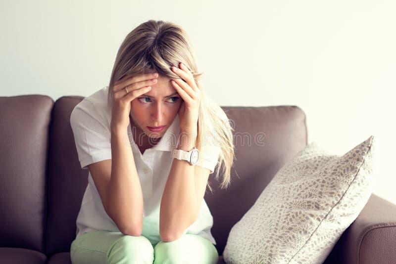沮丧的少妇 图库摄影