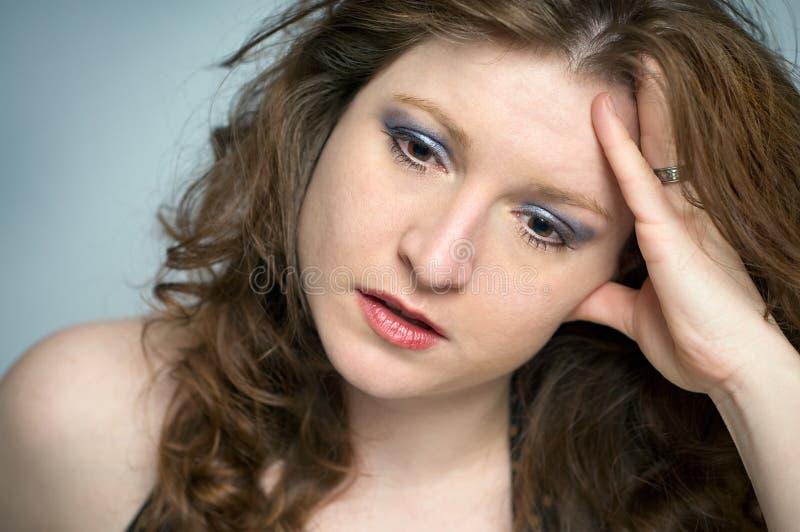 沮丧的情感地强调的生气妇女 库存照片