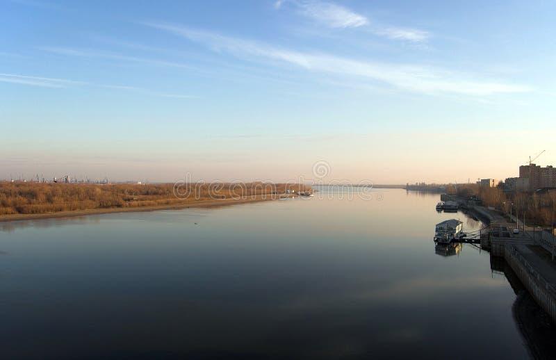 河伏尔加河在阿斯特拉罕 免版税库存图片