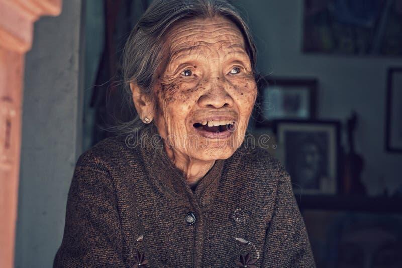 河内的老妇人 图库摄影