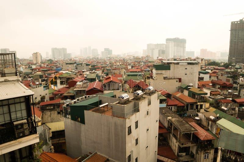 河内,越南- 2019年4月02日 河内都市风景鸟瞰图在日落时间的 库存照片