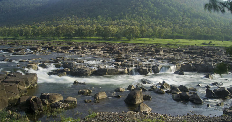 河和小瀑布印度 免版税库存图片