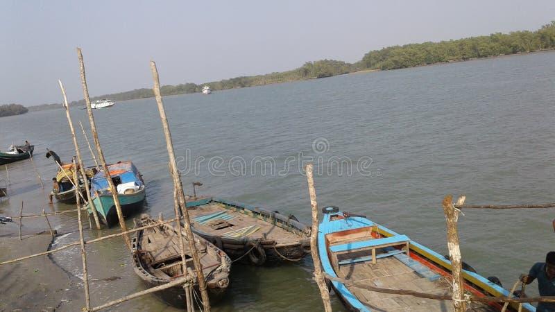 河和小船 库存照片