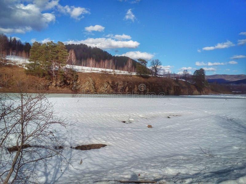 河和纪念碑 图库摄影