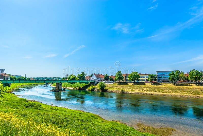 河在卡尔洛瓦茨,中央克罗地亚 免版税库存照片