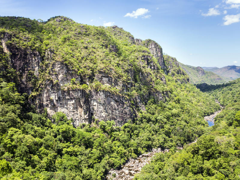 河在Chapada dos Veadeiros国家公园 免版税图库摄影