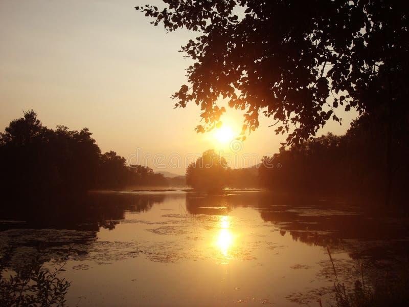 河尤纳在壮观的天空下 免版税库存照片
