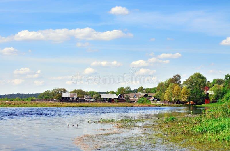 河岸的之家 免版税库存照片