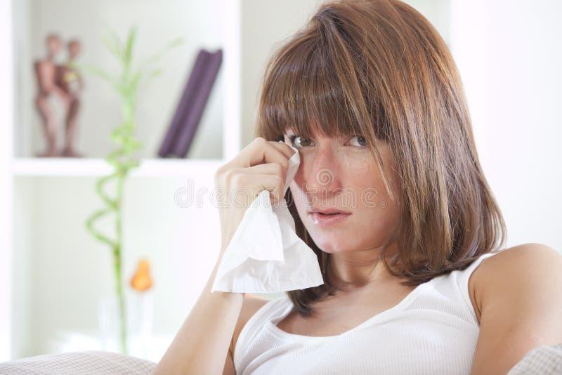 河床哭泣的妇女 图库摄影