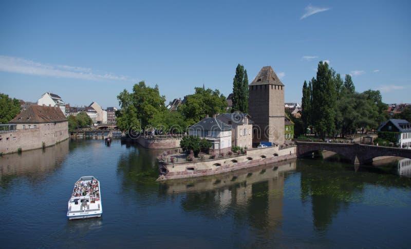 Download 河恶意的史特拉斯堡,法国的浪漫看法 编辑类库存照片. 图片 包括有 梭子鱼, 布琼布拉, 有历史, 轮渡 - 59112588