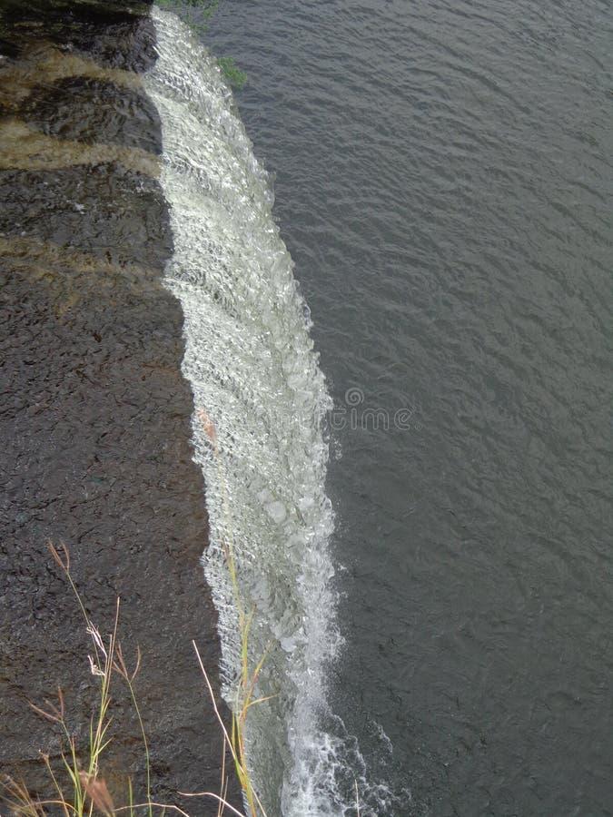 河水边小水坝水库回水 库存照片