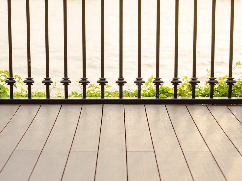 河沿大阳台 免版税库存图片