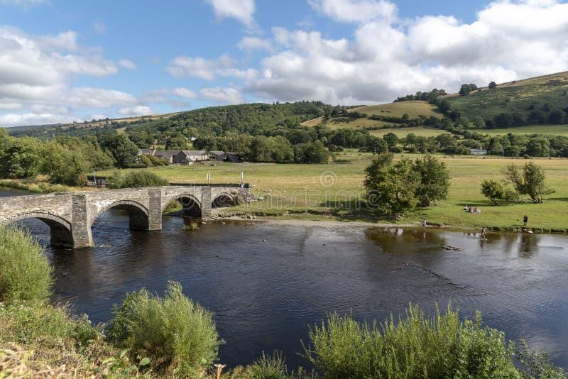 河的迪伊,威尔士英国风景乡下 库存照片