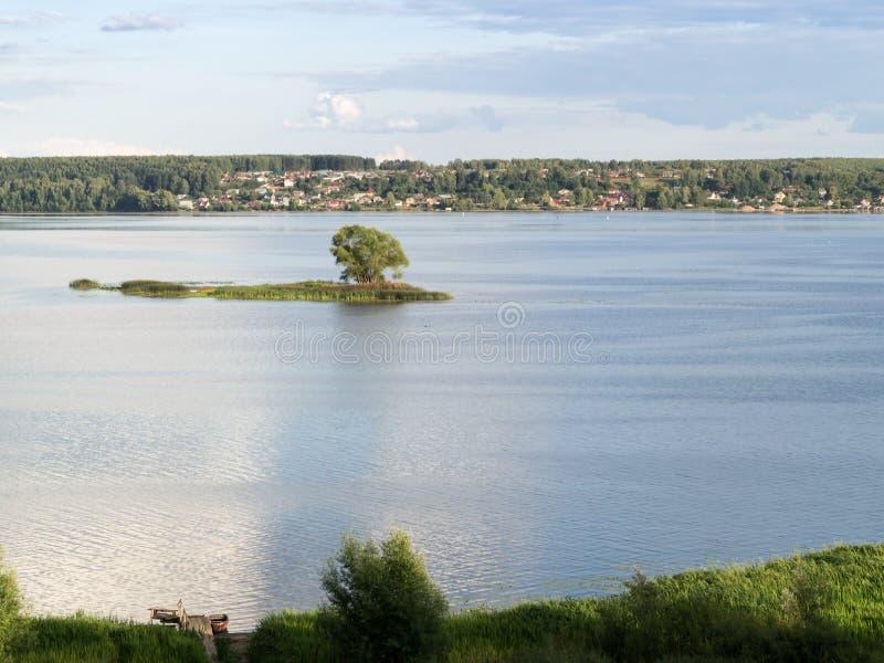河视图伏尔加河 免版税库存照片