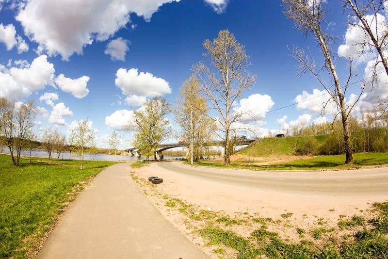 河边的路 库存图片