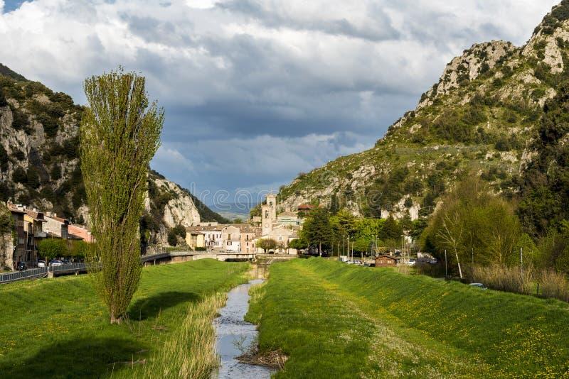 河,在前景的瀑布, 库存照片