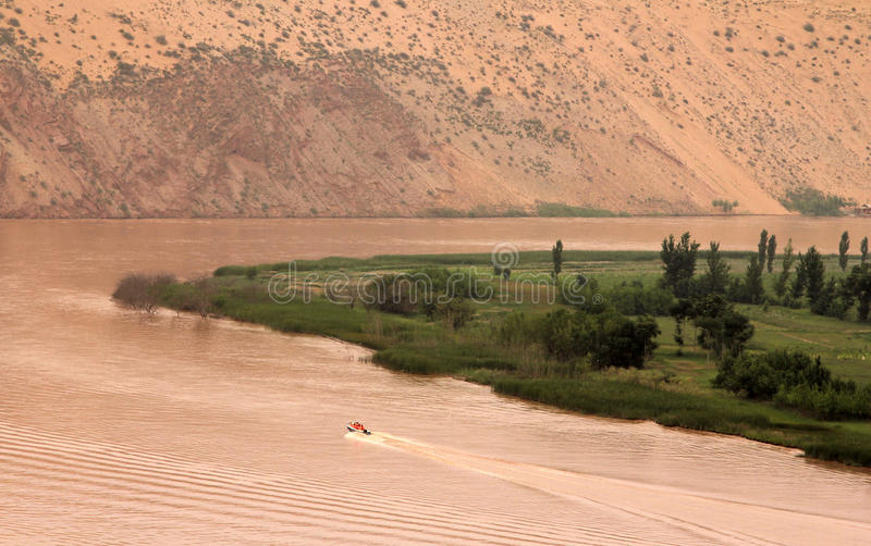 黄河黄他-惊人的风景在沙坡头,中国 免版税库存照片