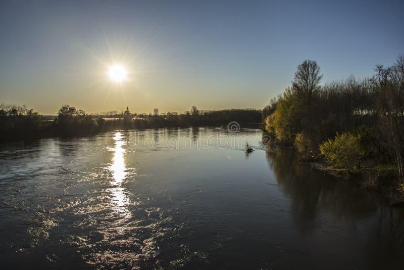 河Gardon在巴黎附近的法国 库存图片