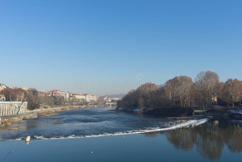 河Po在都灵,意大利- 2017年12月 图库摄影