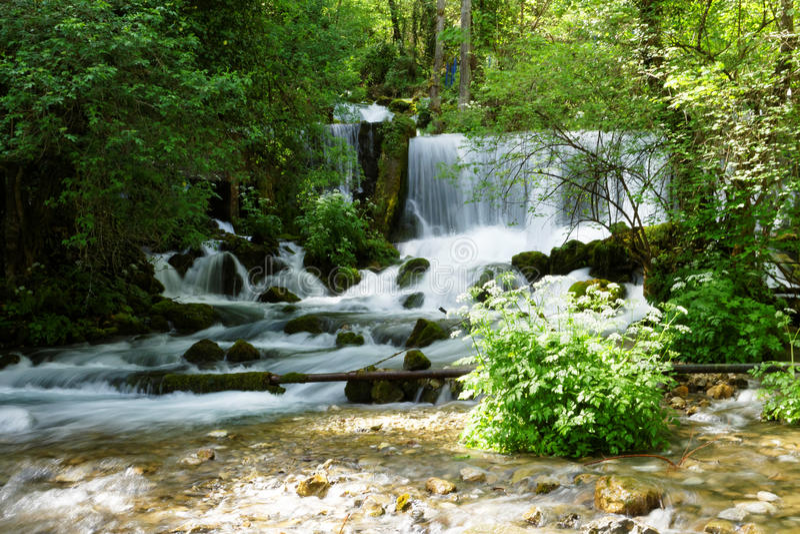 河Vrelo的瀑布 库存照片