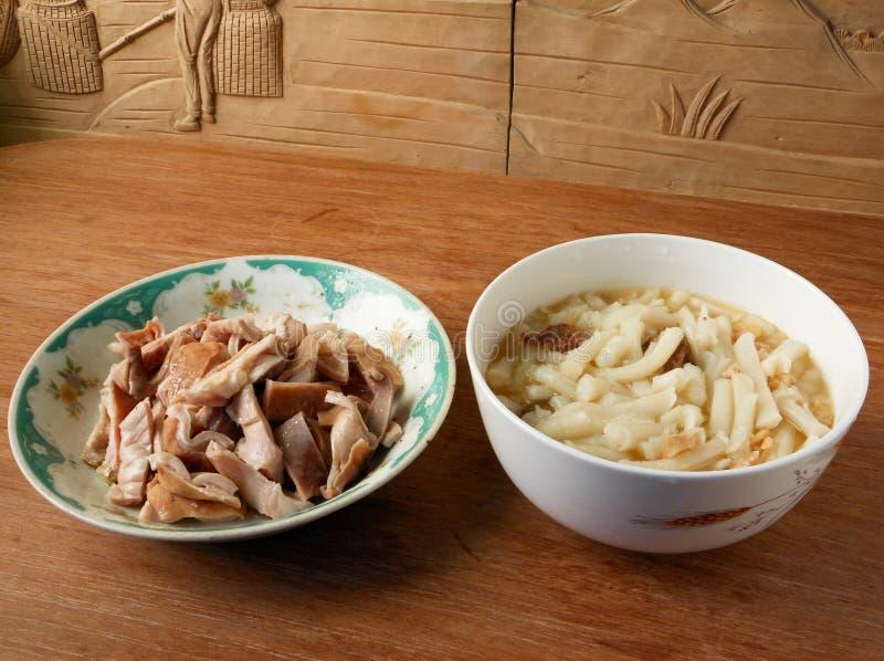 沸腾状态猪胃和中国香肠烘干了虾没有赖的乐趣 库存图片
