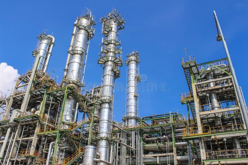 油和化学制品工厂 免版税库存照片