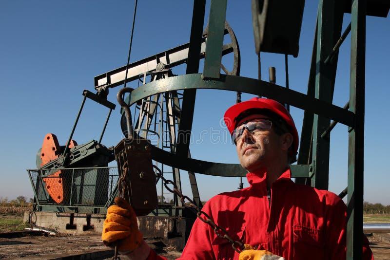 油和煤气产业工作者 图库摄影