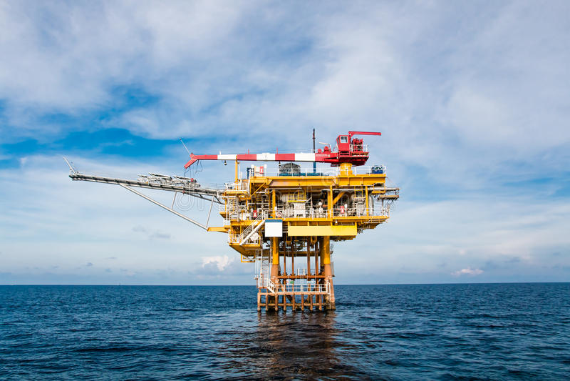 油和煤气平台在海湾或海,世界能量, O 图库摄影