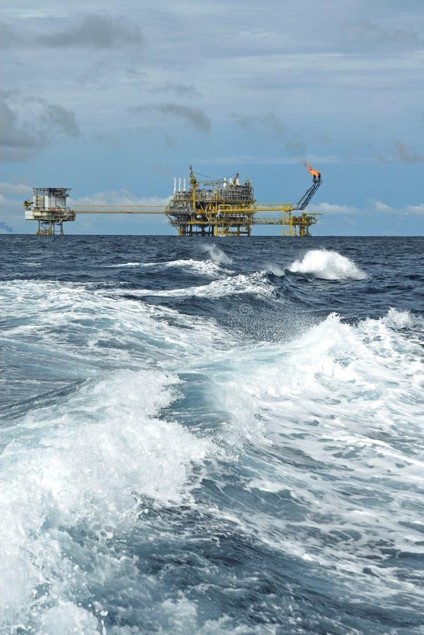 油和煤气钻井平台 库存照片